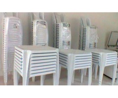 Mesa com 4 cadeiras 10,00
